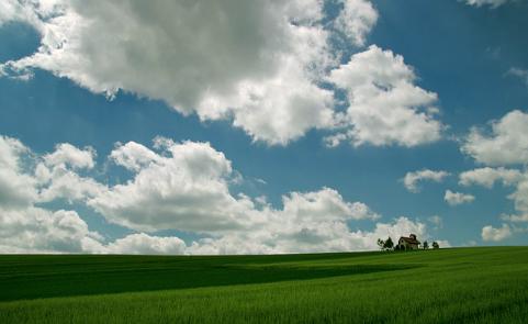 clouds-112320_640