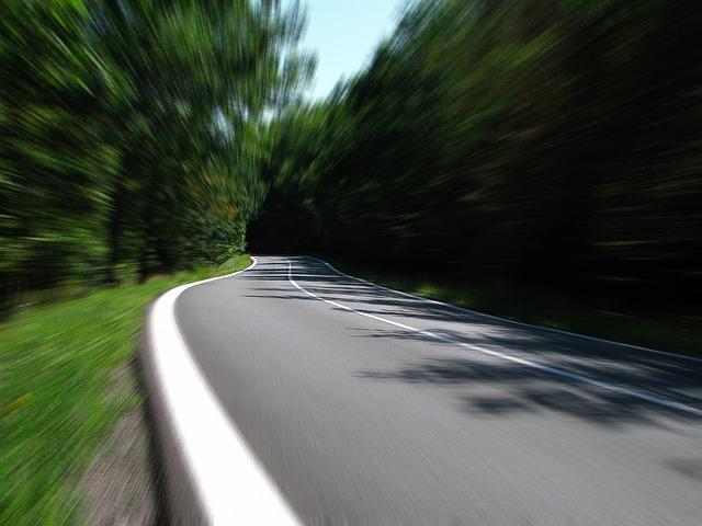 road-259815_640
