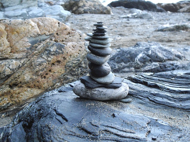stone-stack-235882_640