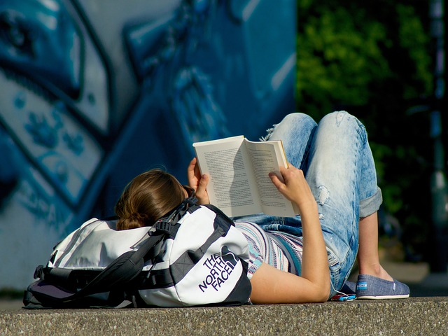 read-book-795943_640